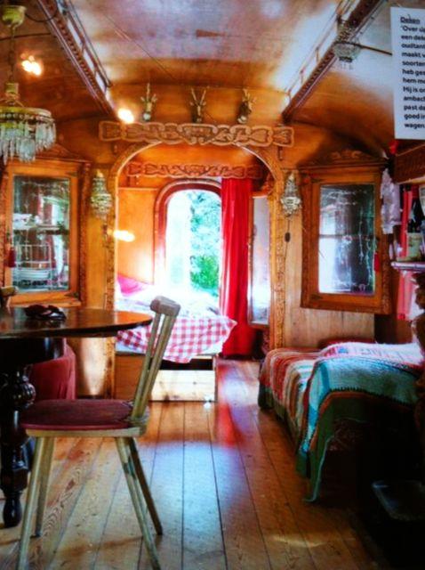 Zigeunerwagen van animatiefilm tot pipowagen in frankrijk - Foto van decoratie interieur ...